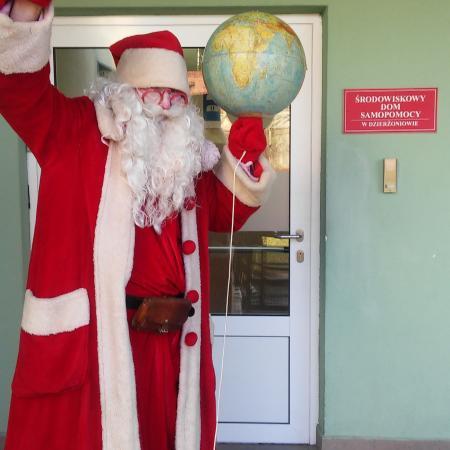 Wyświetl galerię Święty Mikołaj z wizytą w Środowiskowym Domu